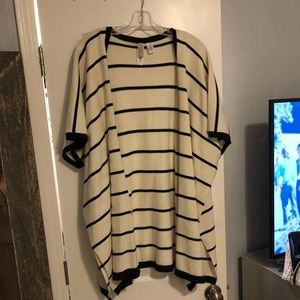 LOFT Sweater kimono navy striped one size